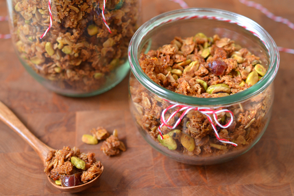Homemade Winter Granola DIY Christmas