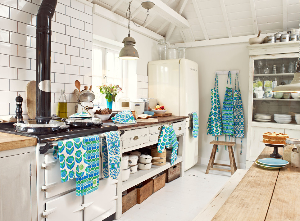 Modern Retro Kitchen Linens