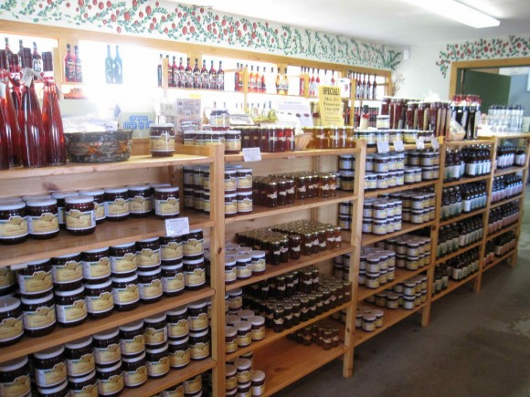 Gift-Shop-Muskoka-Lakes-Winery