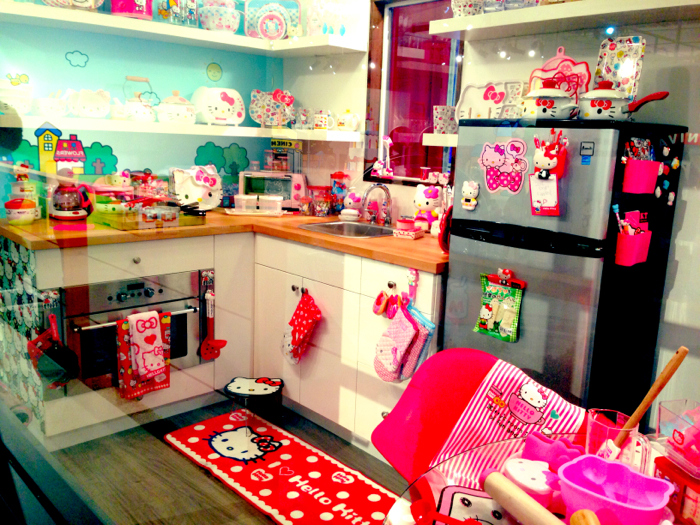 Hello-Kitty-Kitchen