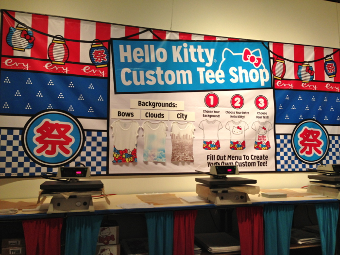 Hello-kitty-con-t-shirts