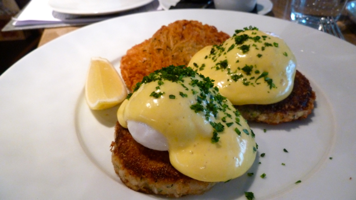 Crab-Cake-Eggs-Benedict-L'Abattoir