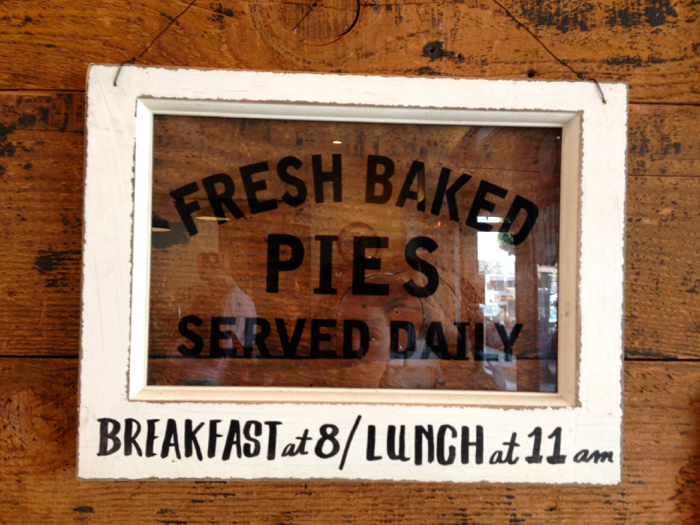 Fresh-Baked-Pies-Sign
