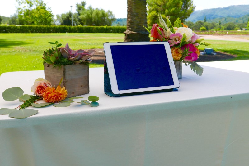 Wedding-technology-trends-ipad