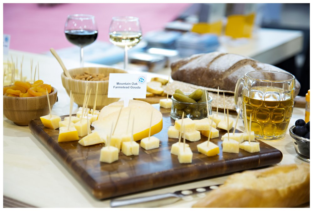 Cheese-Plate & DIY: Meat and Cheese Platter -