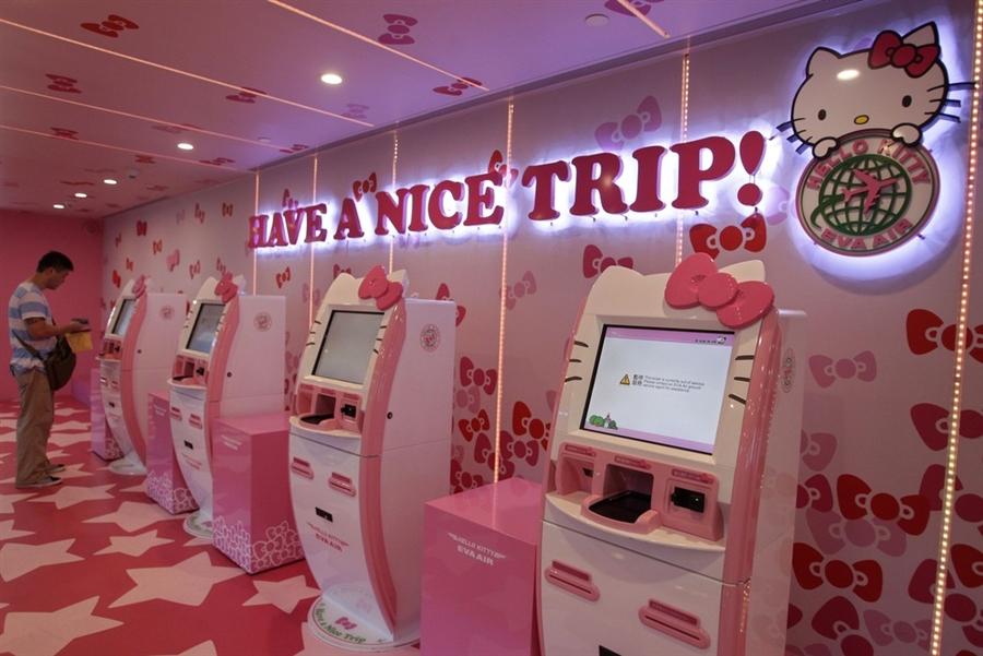 62b31ded1 Check-in-kiosk-hello-kitty-air-taipei