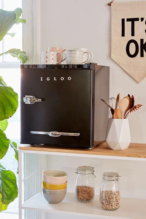 igloo mini fridge